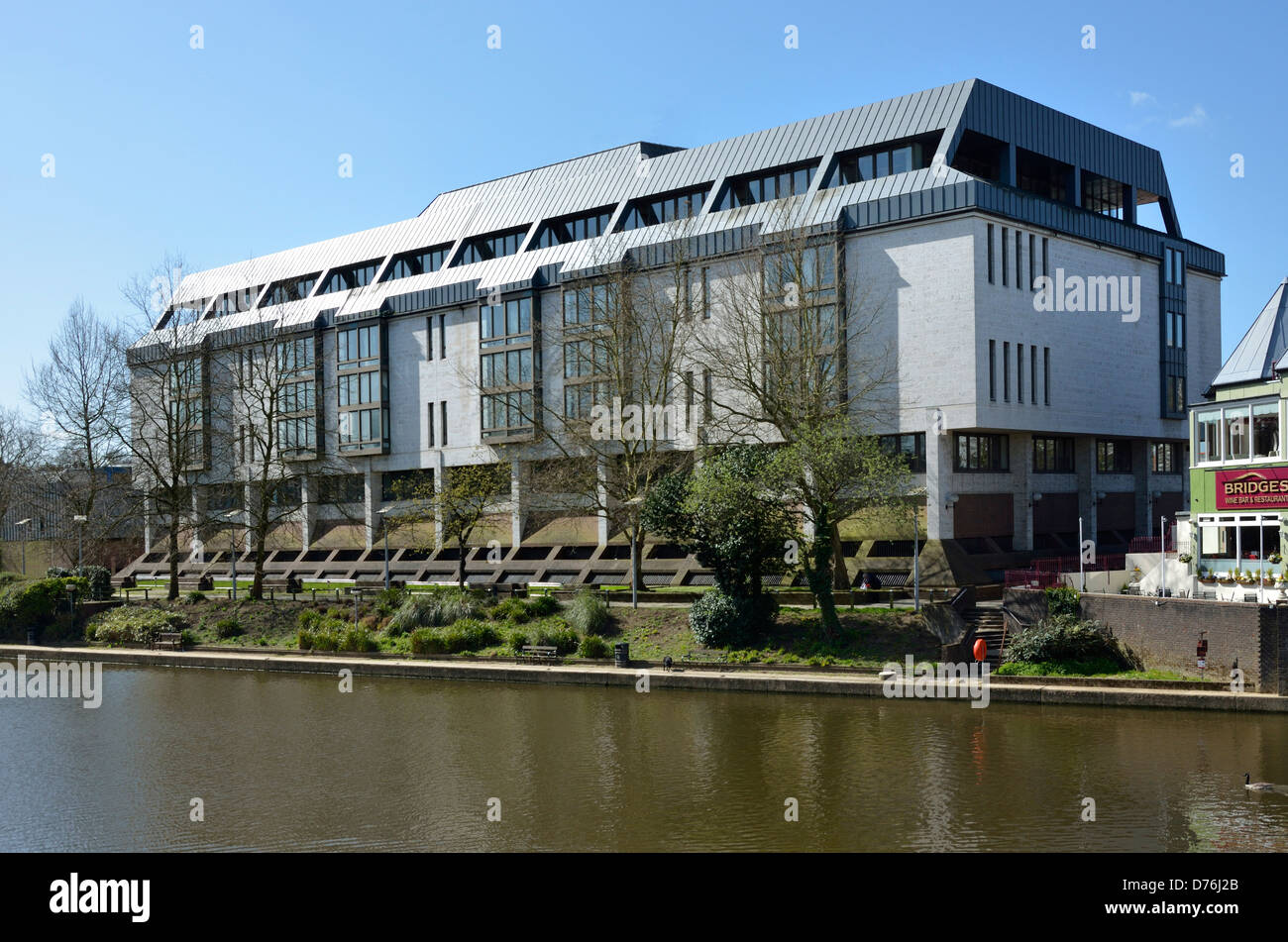 Maidstone, Kent, England, UK. The Law Courts; Crown Court / County Court, by the river Medway. - Stock Image