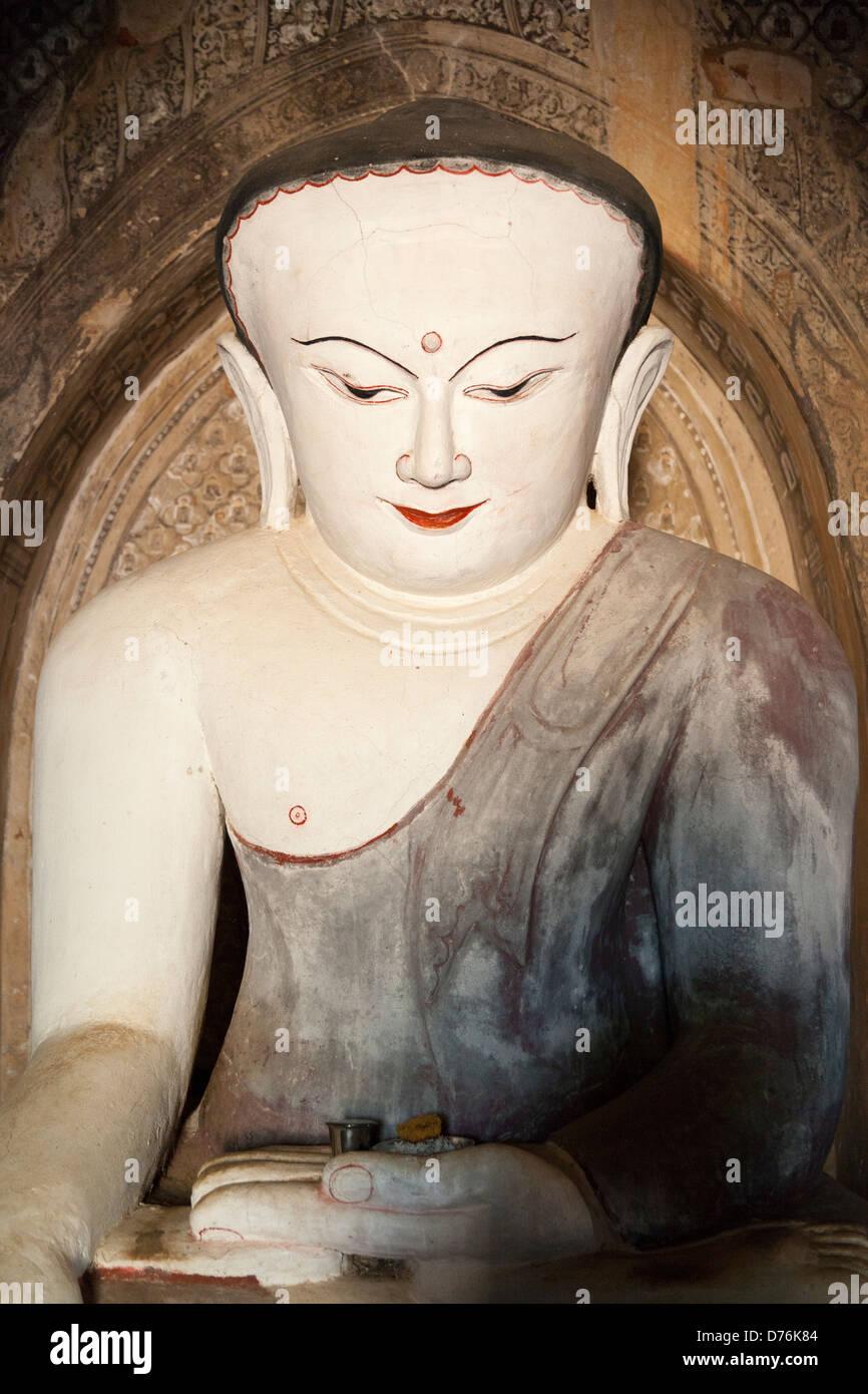 Bulbous headed Buddha in the Nanbaya Temple, Bagan Myanmar - Stock Image