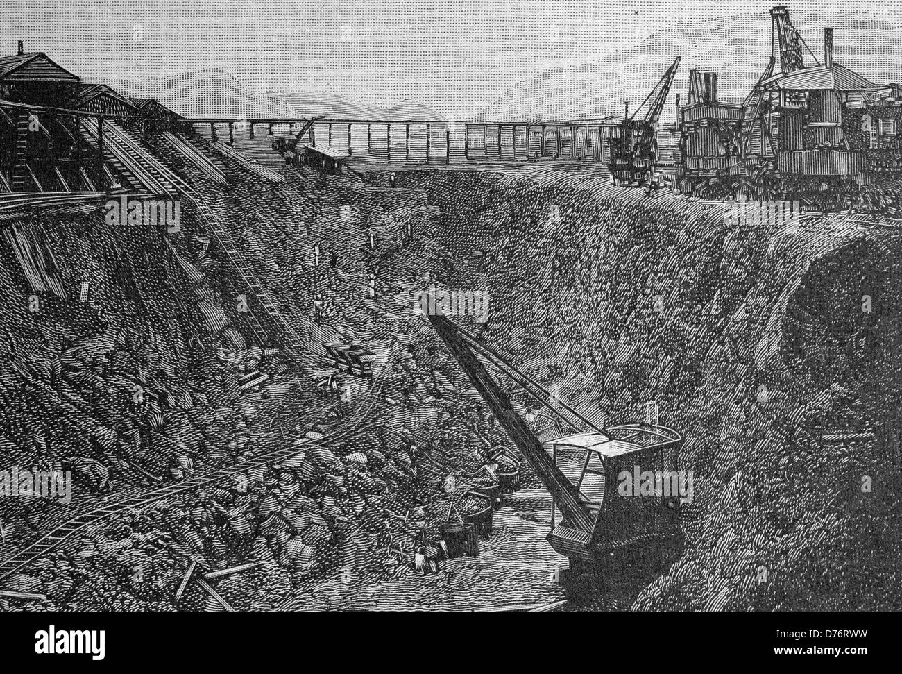 Construction of the Panama Canal, steam elevators at the cut at Pedro Miguel, Central America, woodcut circa 1871 - Stock Image