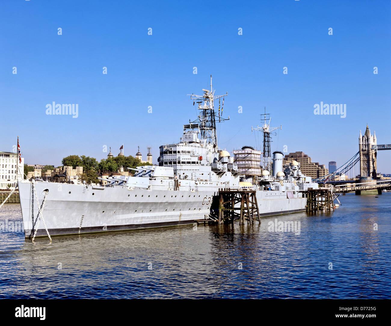 8668. HMS Belfast & R Thames, London, London, UK - Stock Image