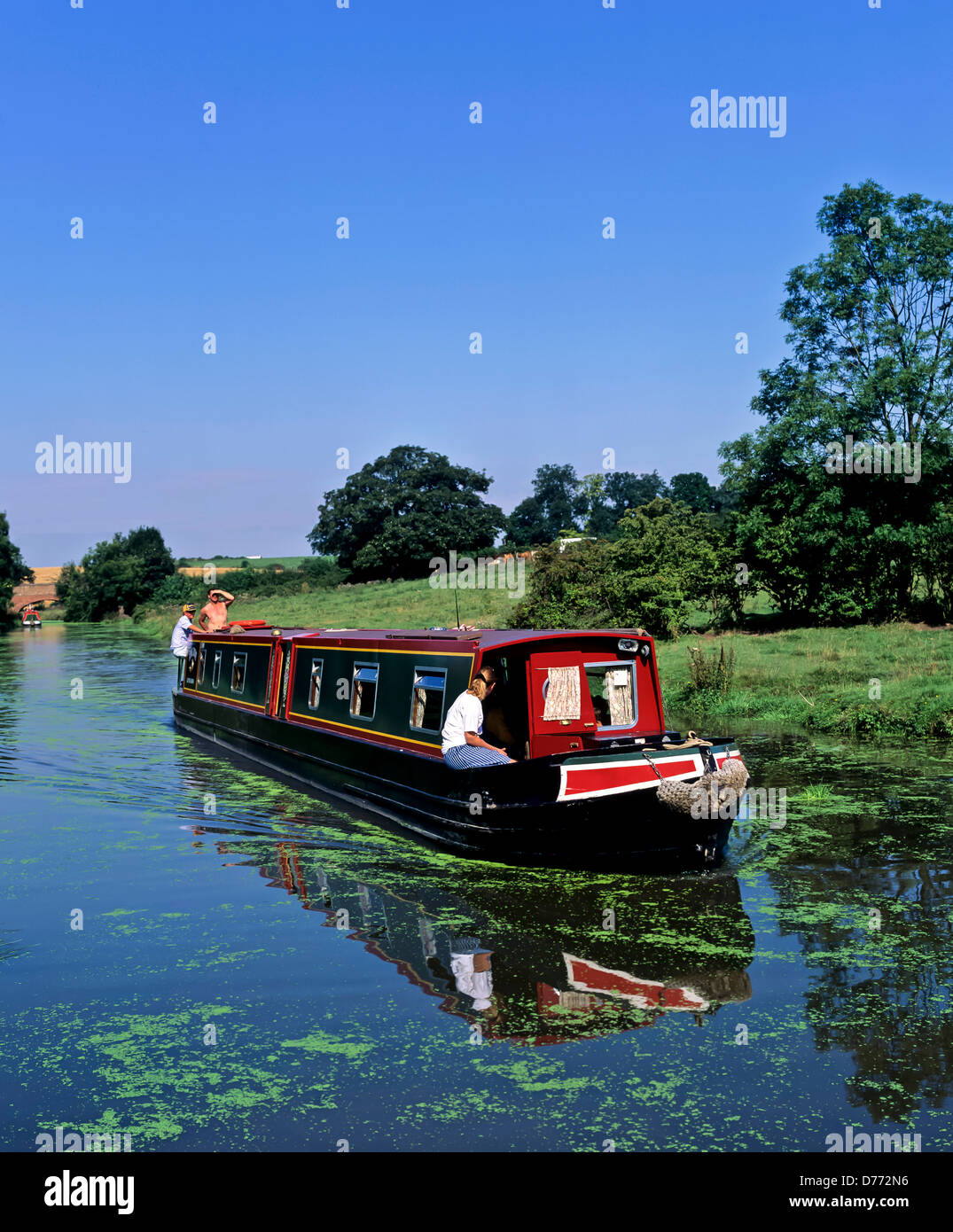 8683. Narrow boat on the Oxford canal, Warwickshire, England, UK, Europe - Stock Image