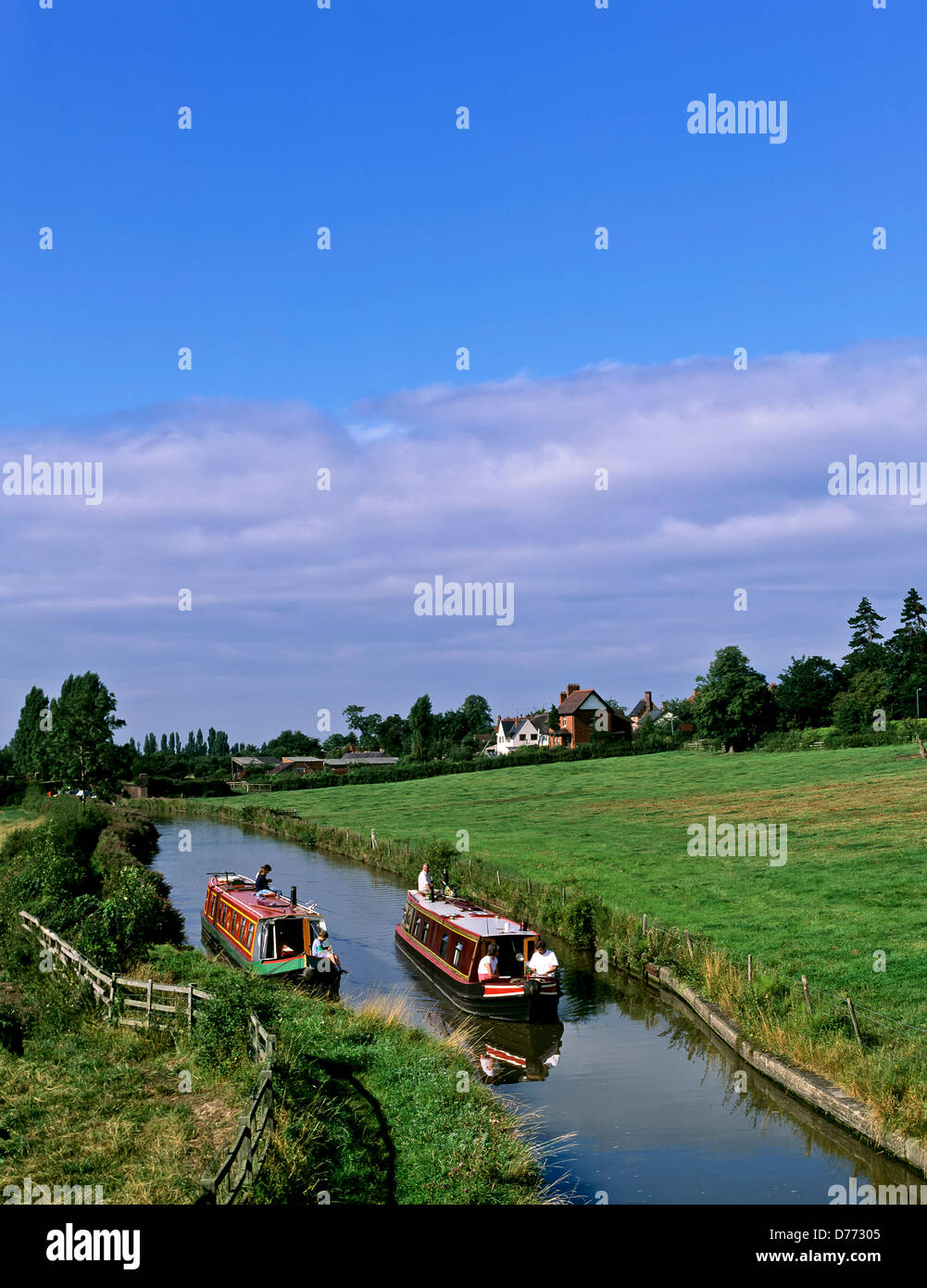 8680. Narrow boats on the Oxford canal, Warwickshire, England, UK, Europe - Stock Image