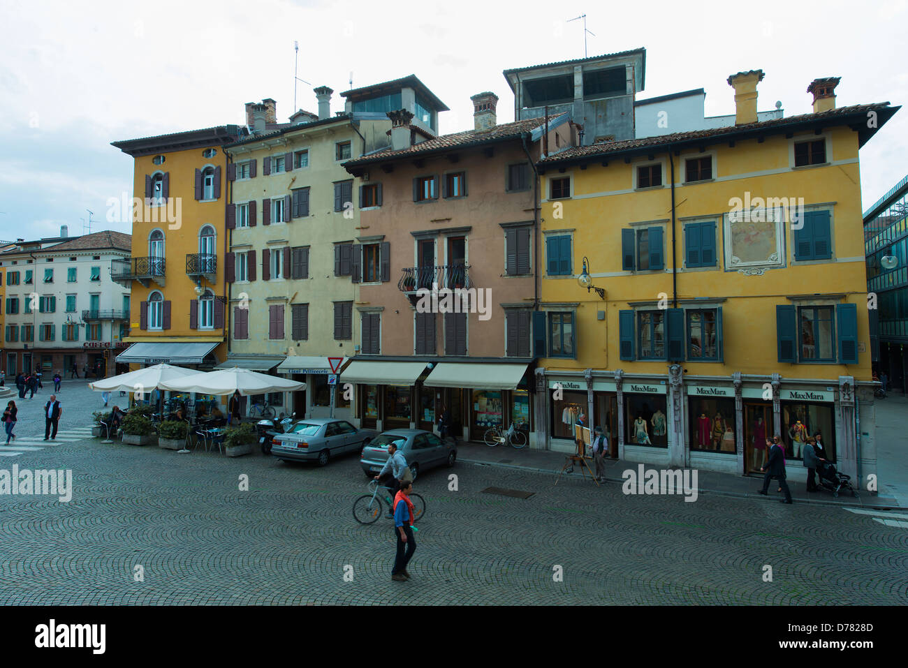 Houses in Piazza Libertà in Udine - Stock Image