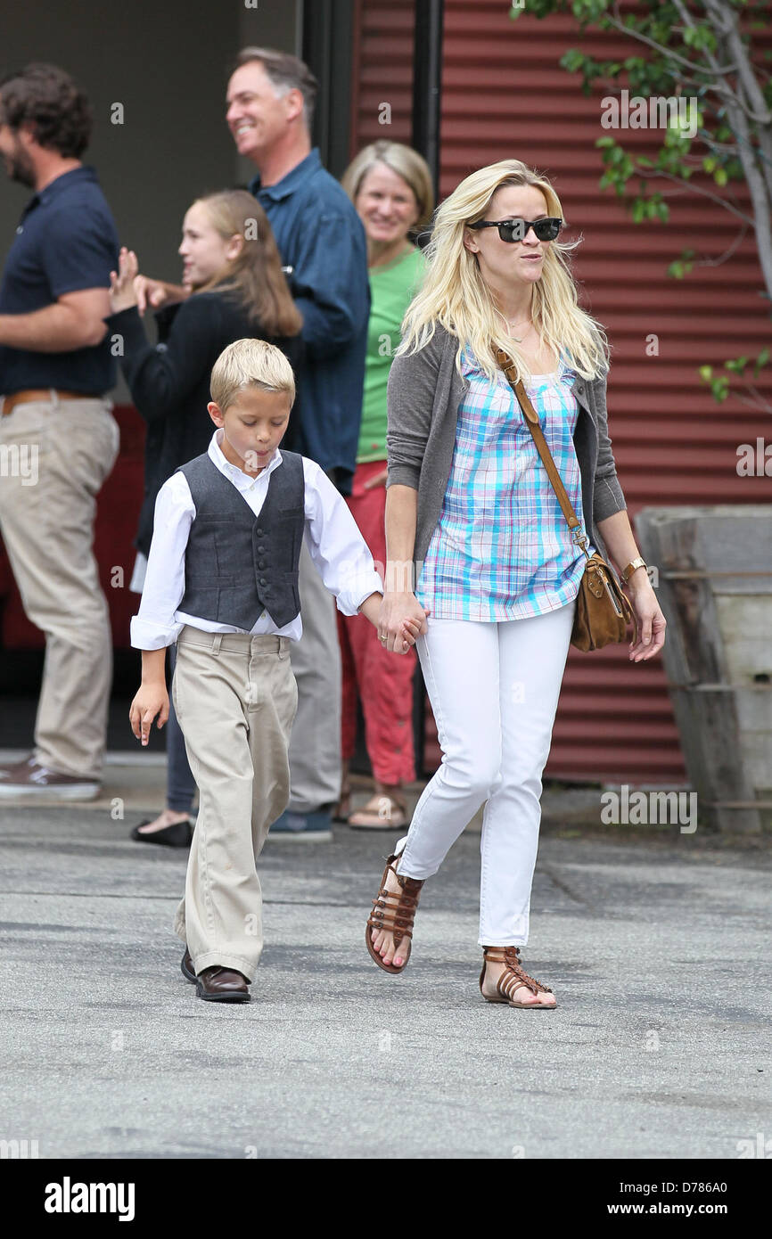 reese witherspoon son stock photos amp reese witherspoon son