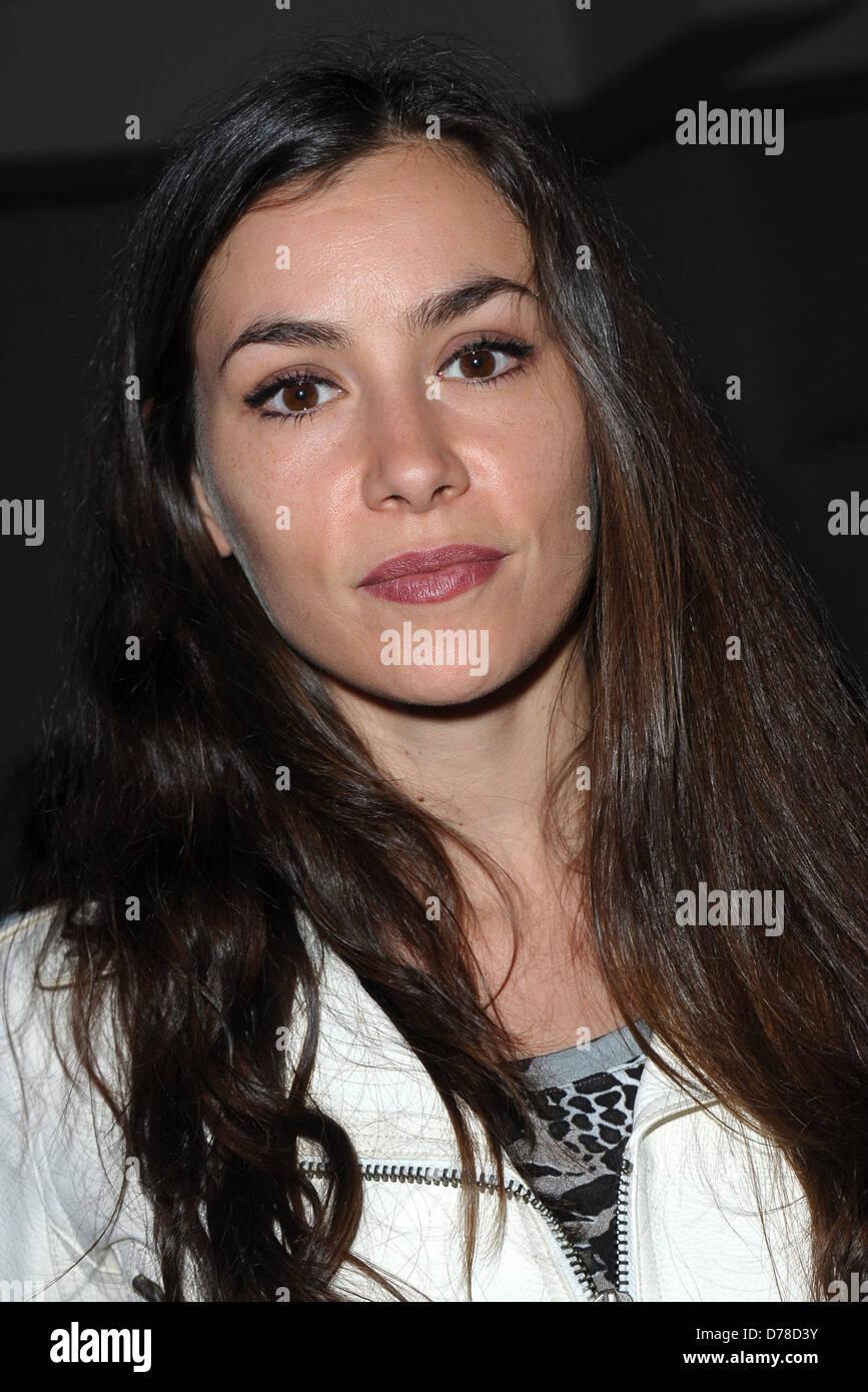 Olivia Ruiz Nude Photos 94