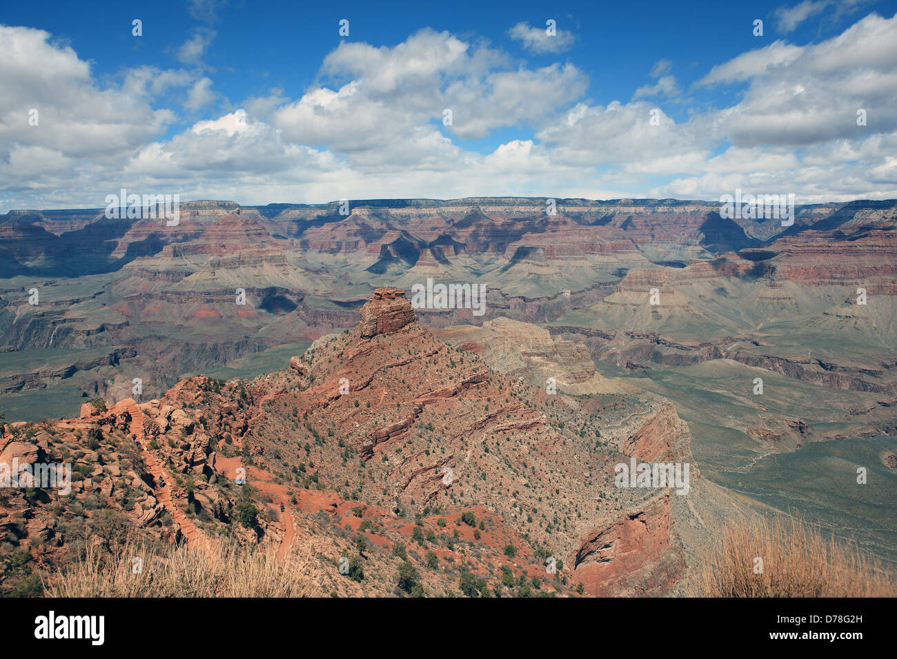 View of O'Neill Butte on the Kaibab Trail in the Grand Canyon in Arizona, USA with the North Rim visible in - Stock Image