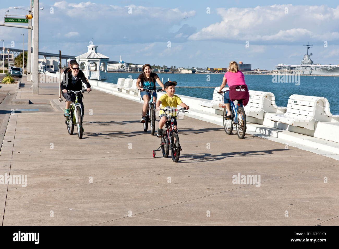 Family bicycling, North Shoreline Blvd. - Stock Image