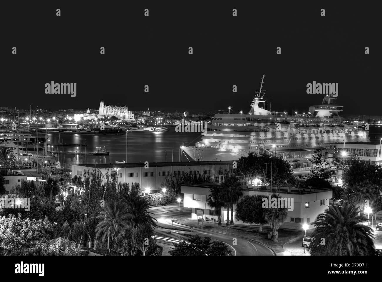 Night view of the port of Palma de Mallorca, Spain - Stock Image