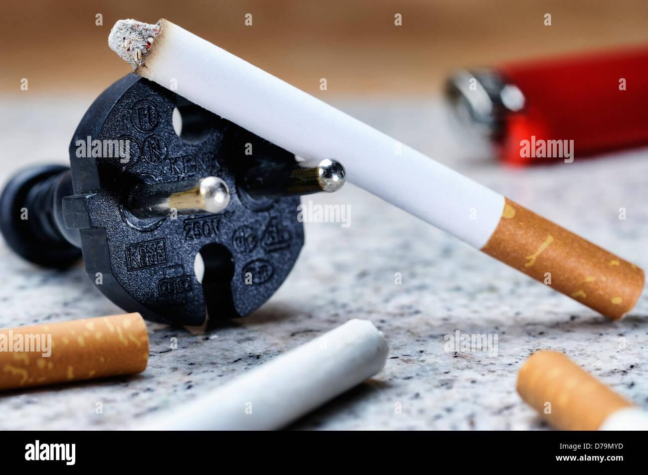 zigarette rauchen stock photos zigarette rauchen stock images alamy. Black Bedroom Furniture Sets. Home Design Ideas