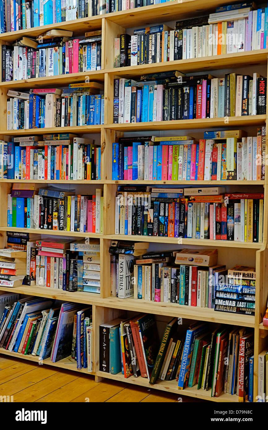Bookshelves Ireland library - Stock Image