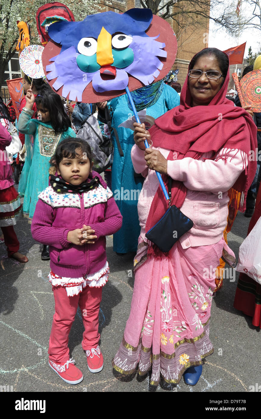 Families prepare to march in Bengali New Year Parade, Little Bangladesh, Kensington section, Brooklyn, NY, 2013. - Stock Image