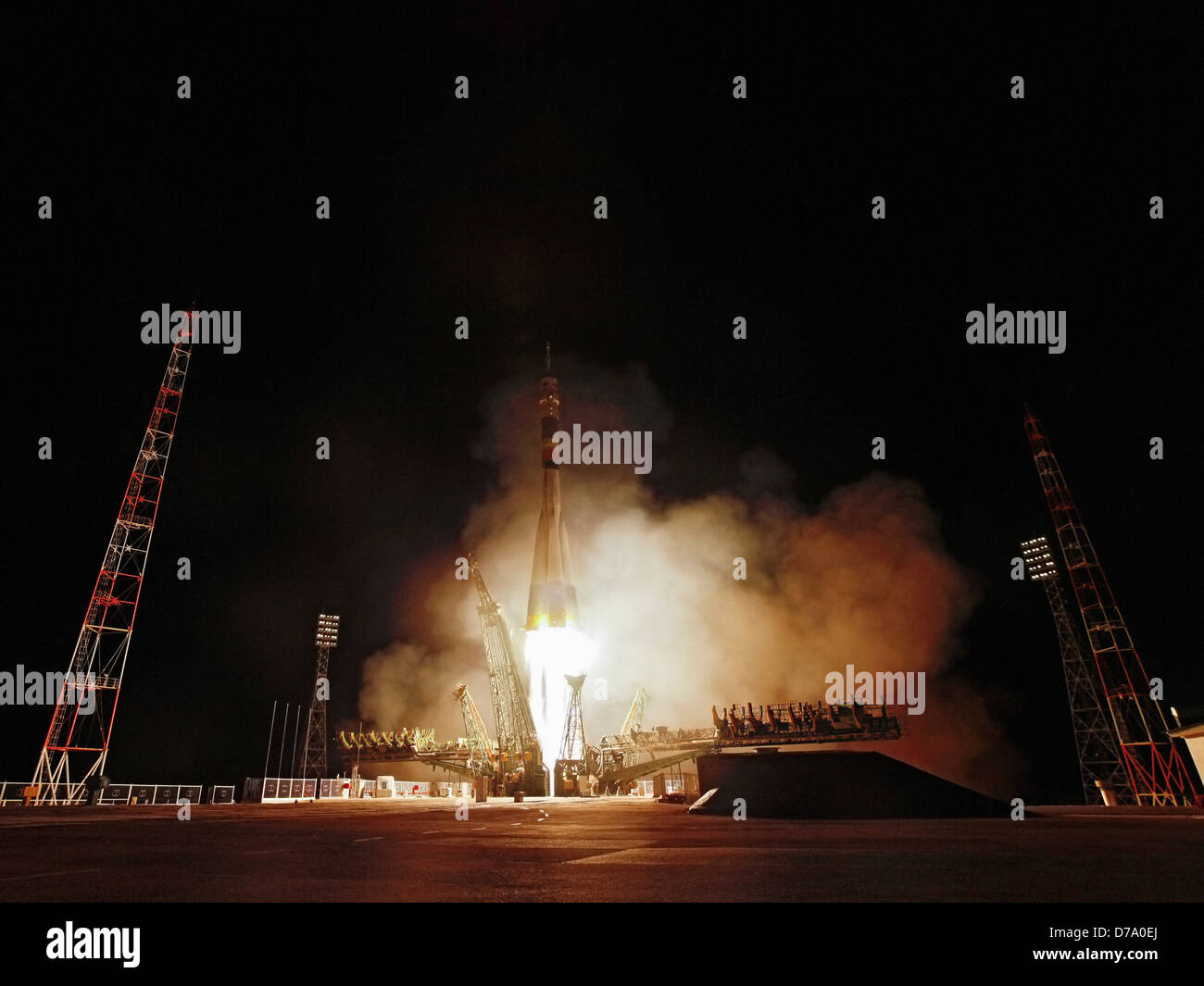 Soyuz TMA-21 Lifts Off - Stock Image