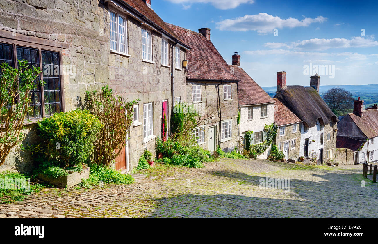 A row of English cottages at Gold Hill in Shaftesbury, Dorset Stock Photo