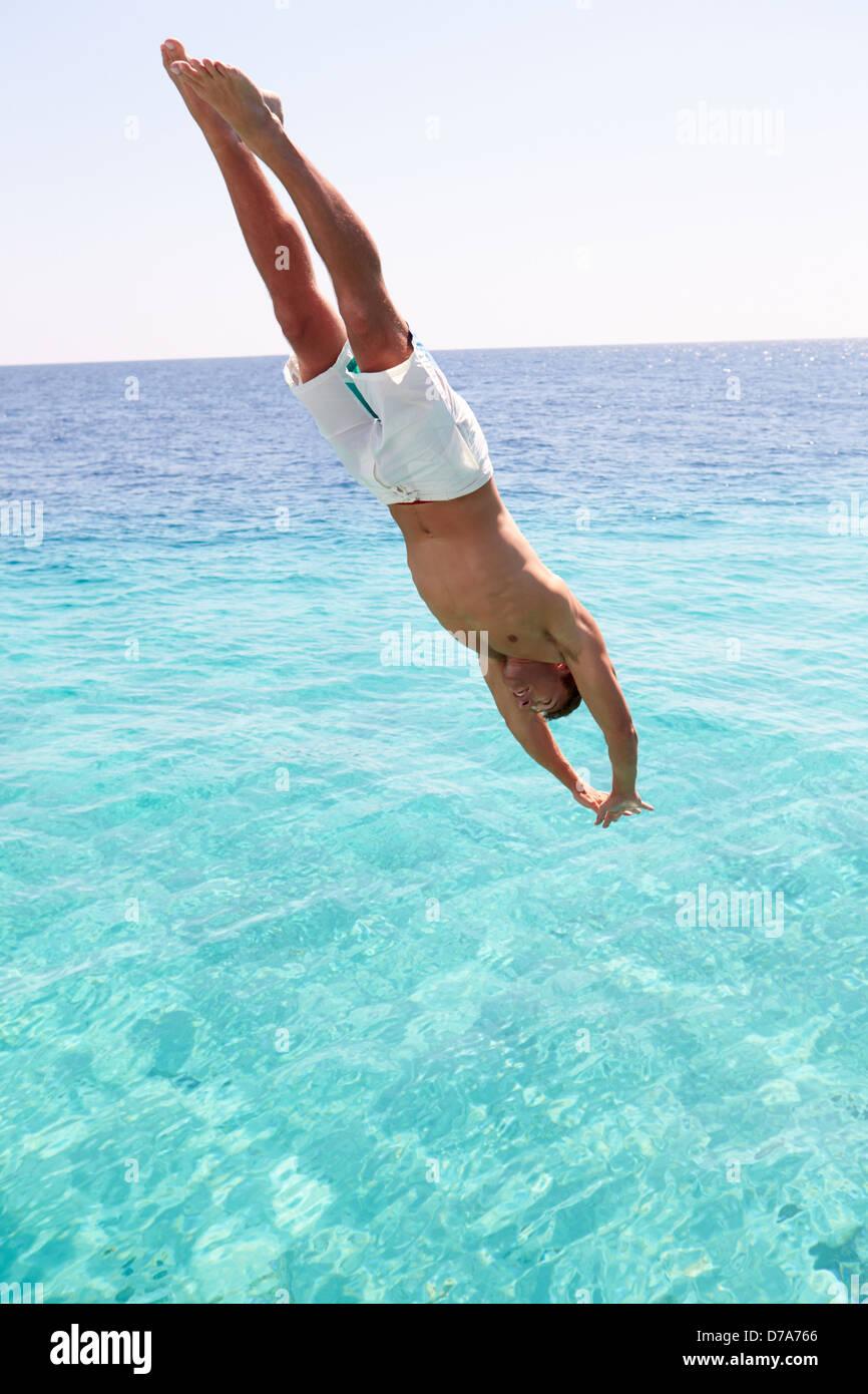 Dive into the sea! jasonblackeye.com Shot with @sonyalpha