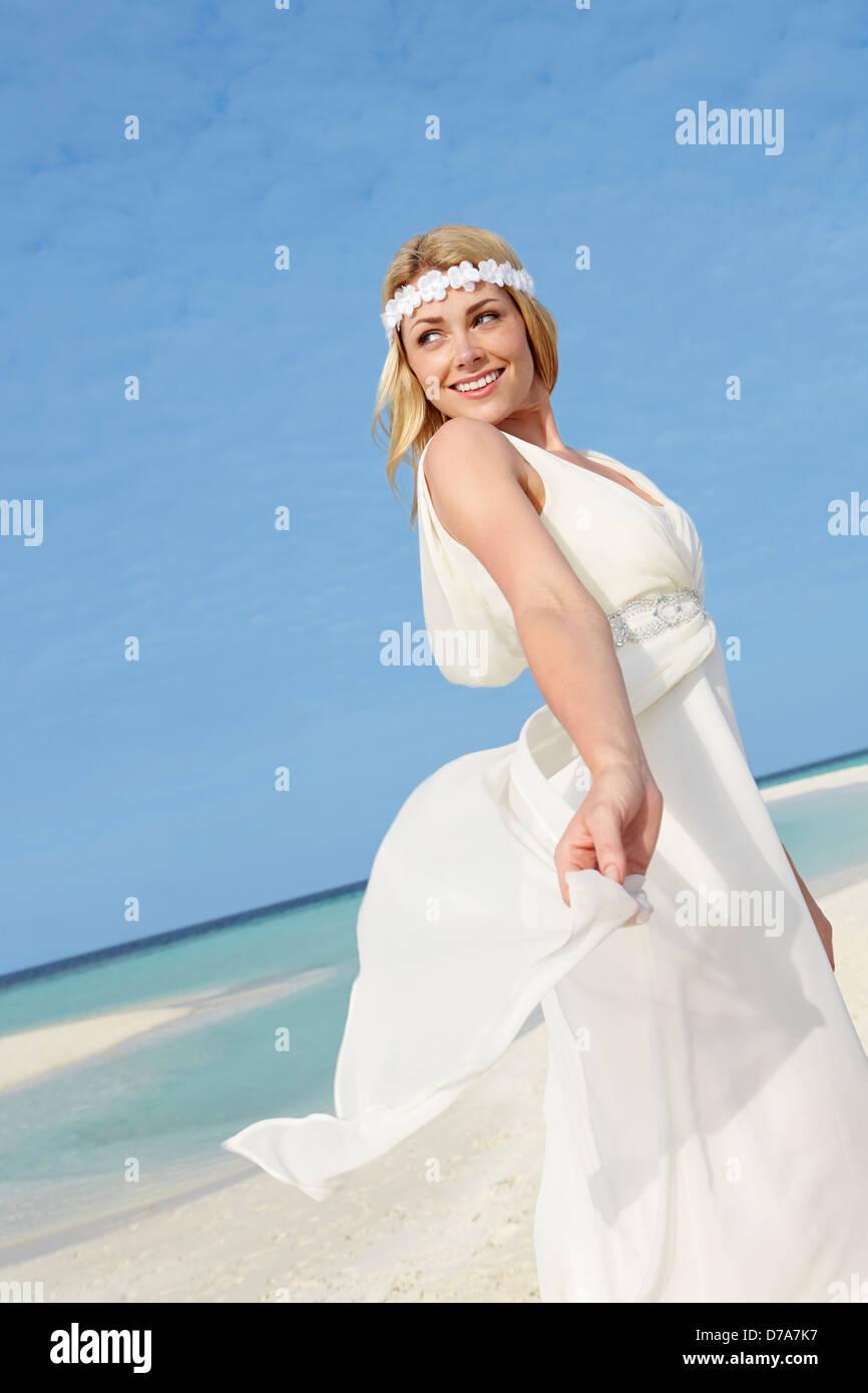 Wedding Dress Stock Photos & Wedding Dress Stock Images - Alamy