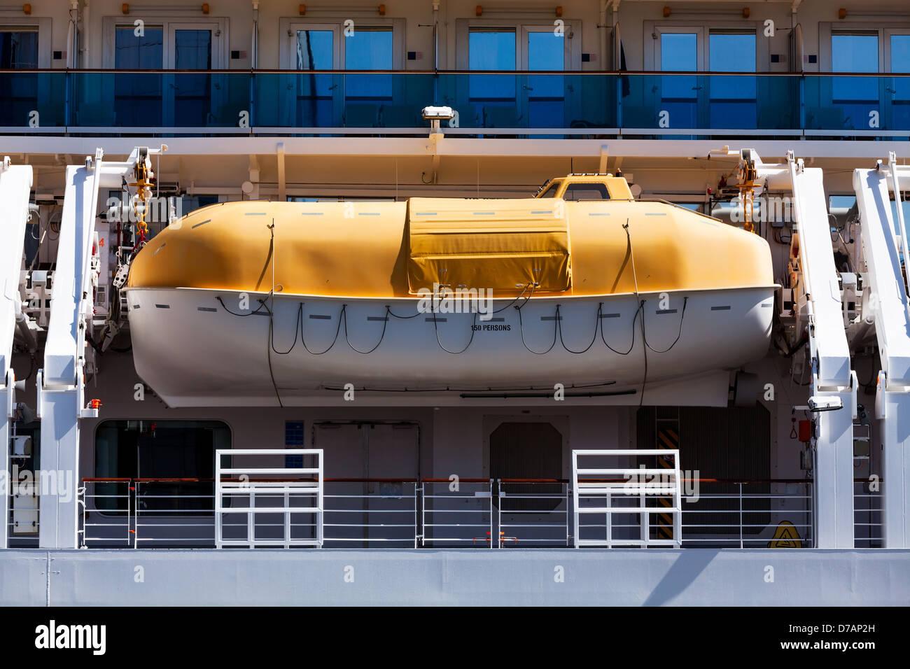 lifeboat passenger ship closeup side - Stock Image