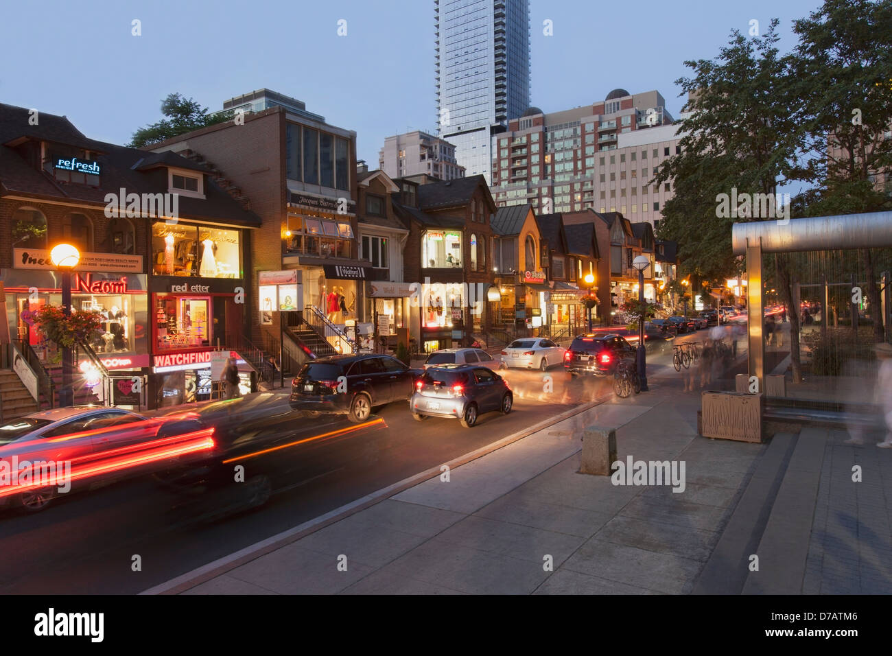 Yorkville Toronto Shopping Stock Photos & Yorkville ...
