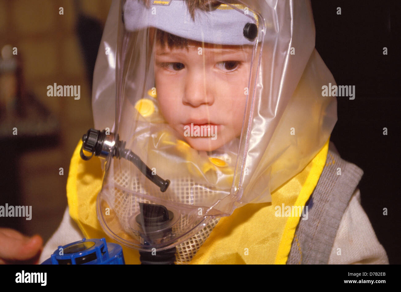 Gulf war outfit for a young boy - Stock Image