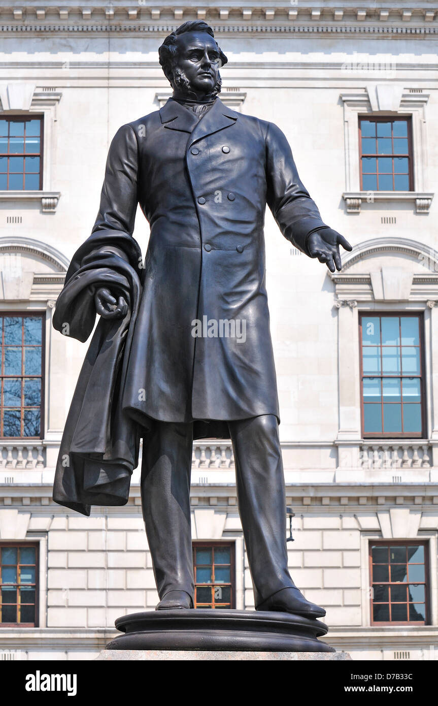 London, England, UK. Statue (1876: Thomas Woolner) of Henry John Temple, 3rd Viscount Palmerston (1784-1865) in - Stock Image