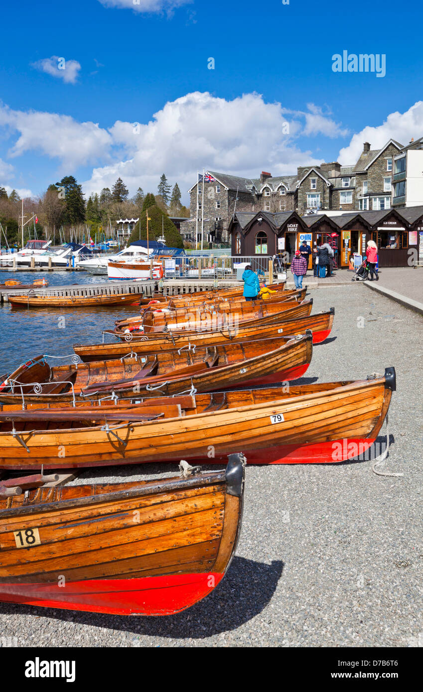 Rowing boats by the side of Lake windermere at Bowness on windermere Cumbria Lake district England UK GB EU Europe - Stock Image