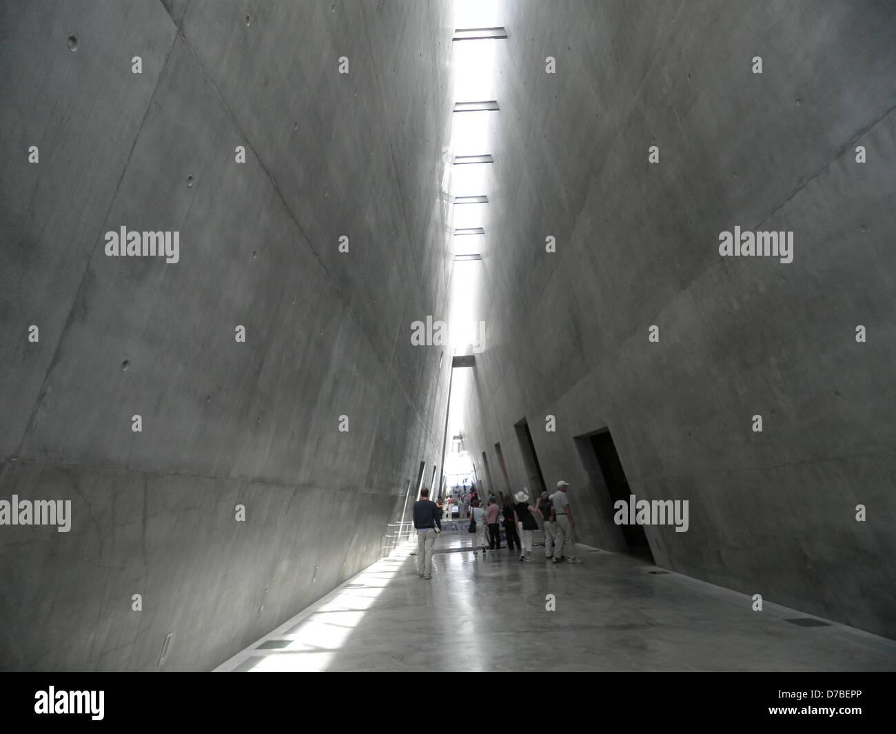 Visiting the Holocaust History Museum at Yad Vashem in Jerusalem - Stock Image