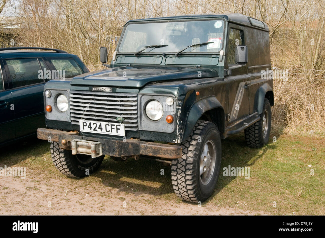 Land Rover Defender Stock Photos & Land Rover Defender ...