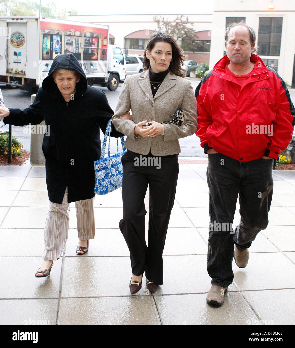 Nancy Kerrigan (C), Brenda Kerrigan (L), former Olympic figure skater Nancy Kerrigan, her mother Brenda Kerrigan, - Stock Image