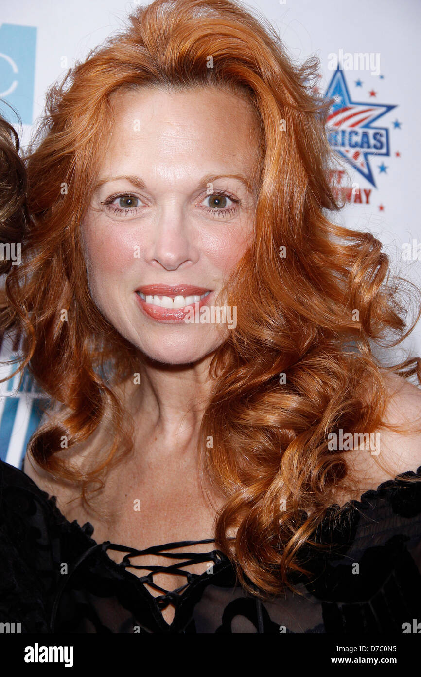 images Carolee Carmello