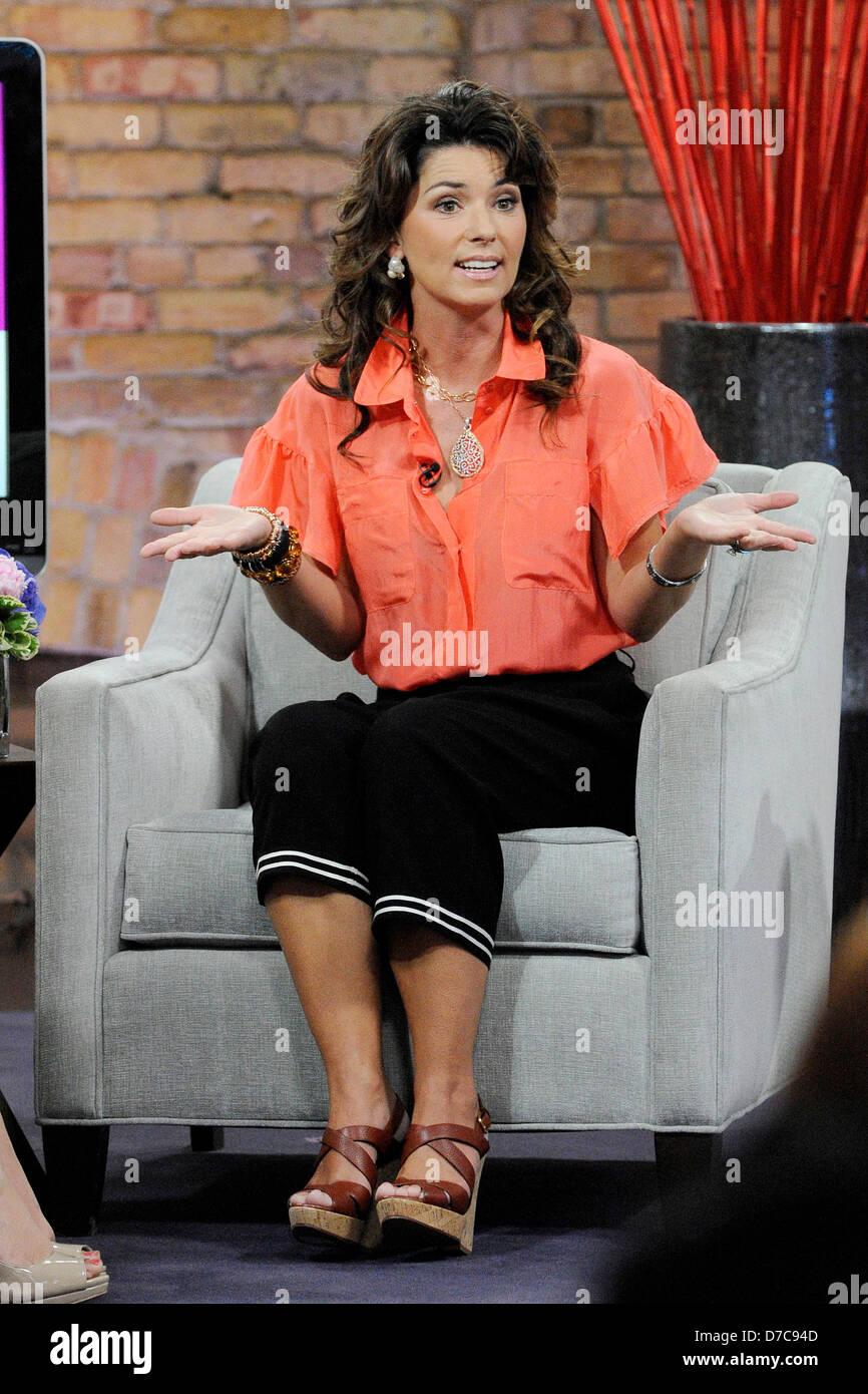 Twain feet shania Shania Twain