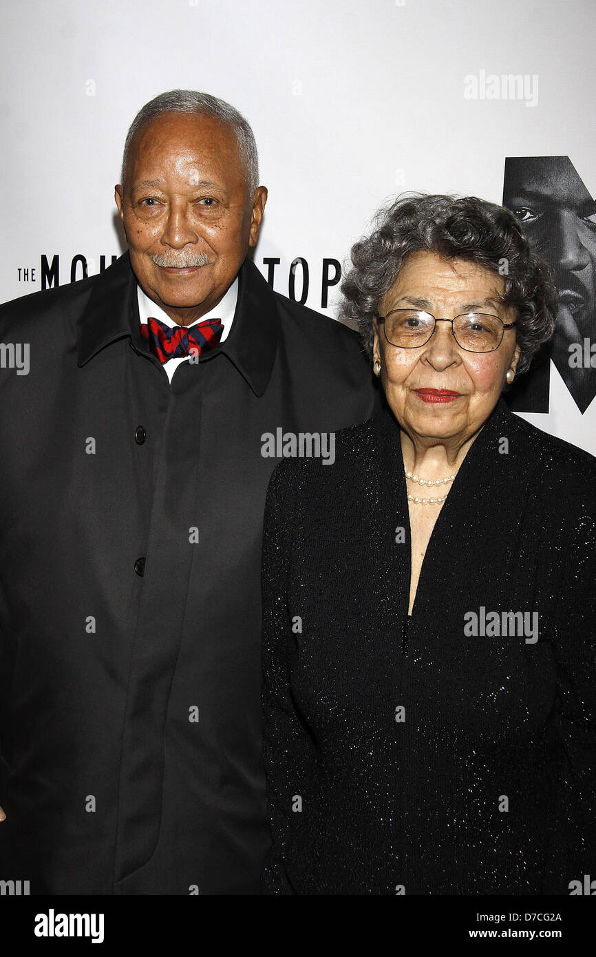 mayor david dinkins and joyce dinkins opening night of the broadway stock photo alamy https www alamy com stock photo mayor david dinkins and joyce dinkins opening night of the broadway 56209730 html