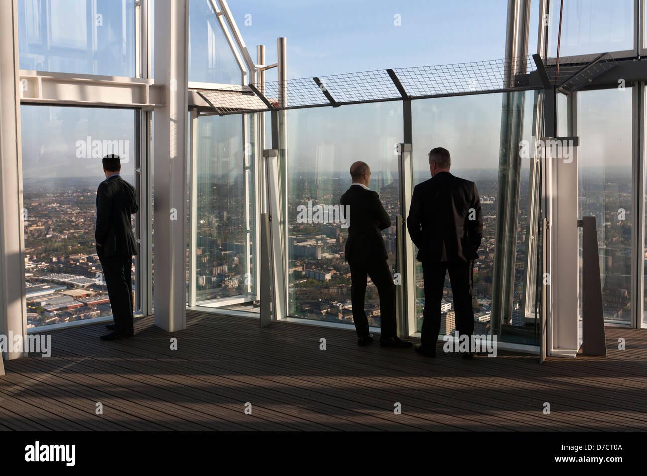 People On Top Floor Of The Shard London Stock Photo 56215946 Alamy