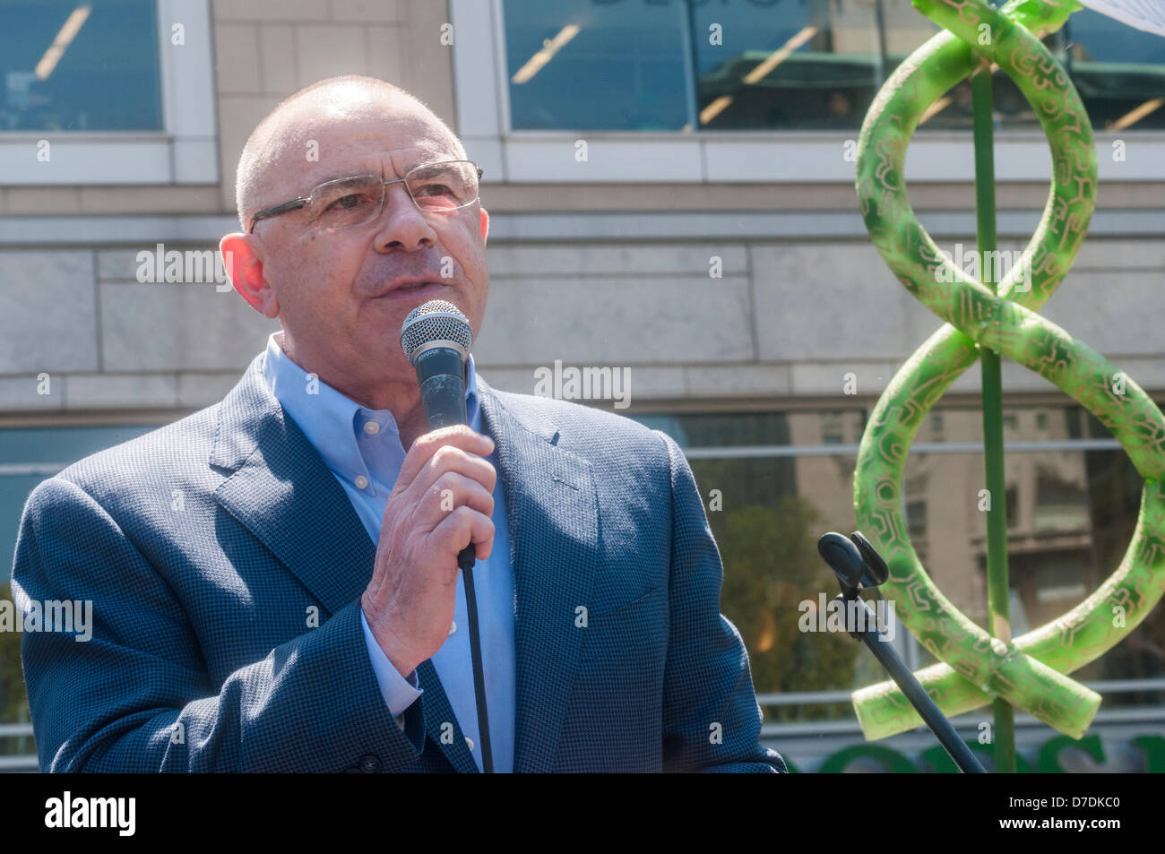 New York, USA. 4th April, 2013. NYC Mayoral Candidate Sal Albanese speaking at the Million Marijuana Rally. Pot - Stock Image