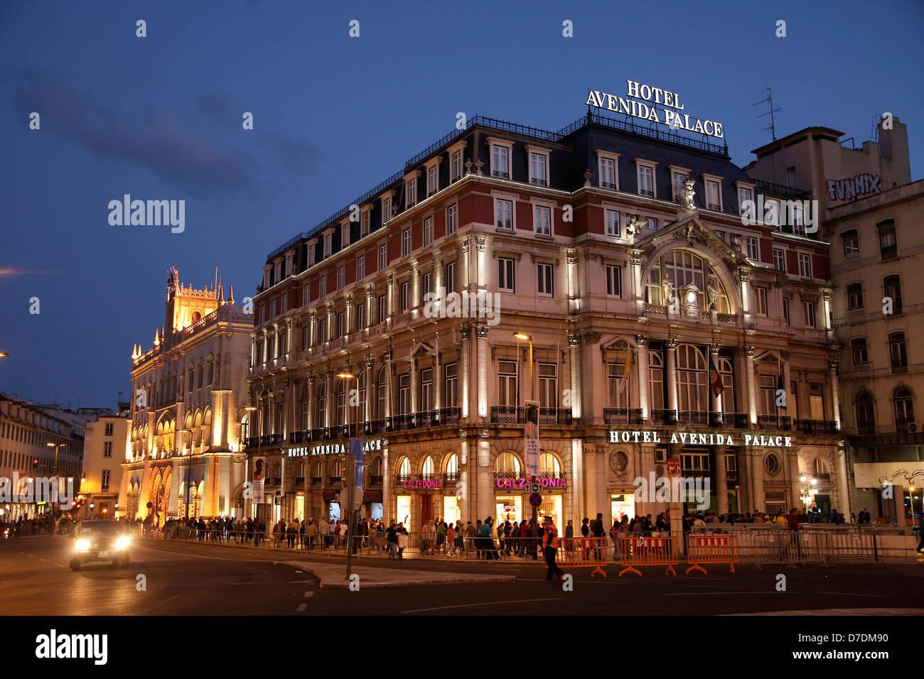 Hotel Avenida Palace in Lissabon bei Nacht, , Europa | Hotel Avenida Palace in Lisbon at night, , Europe - Stock Image