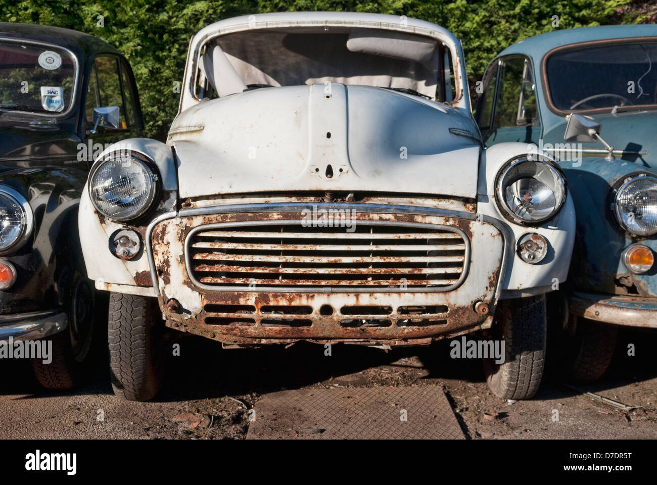 Old Abandoned Morris Minor Car Stock Photos & Old Abandoned Morris ...