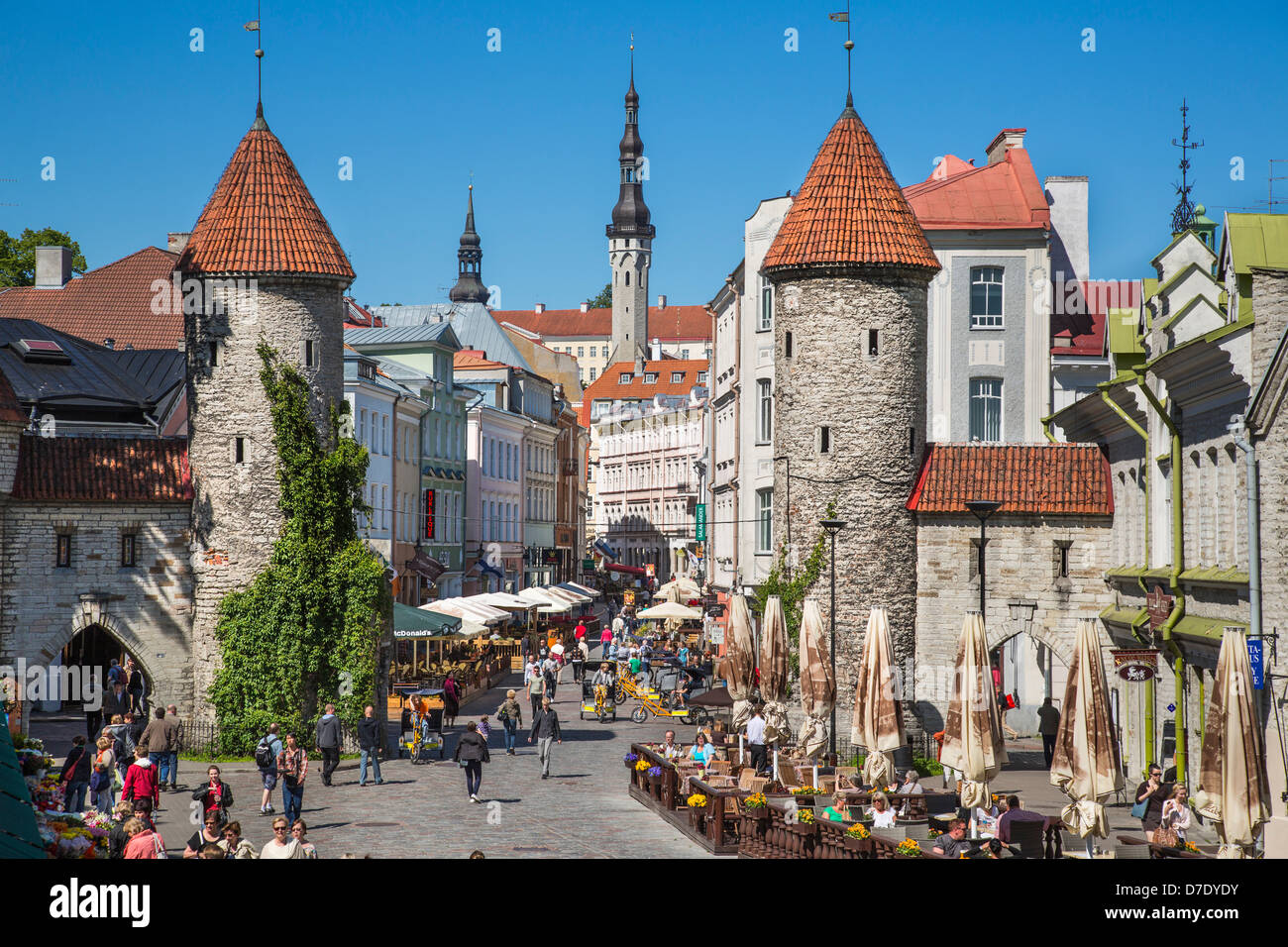 Tallinn old town, Estonia, Viru Street and towers of medieval Viru Gate - Stock Image