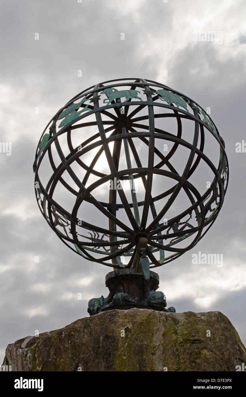 zodiac sundial southampton - Stock Image