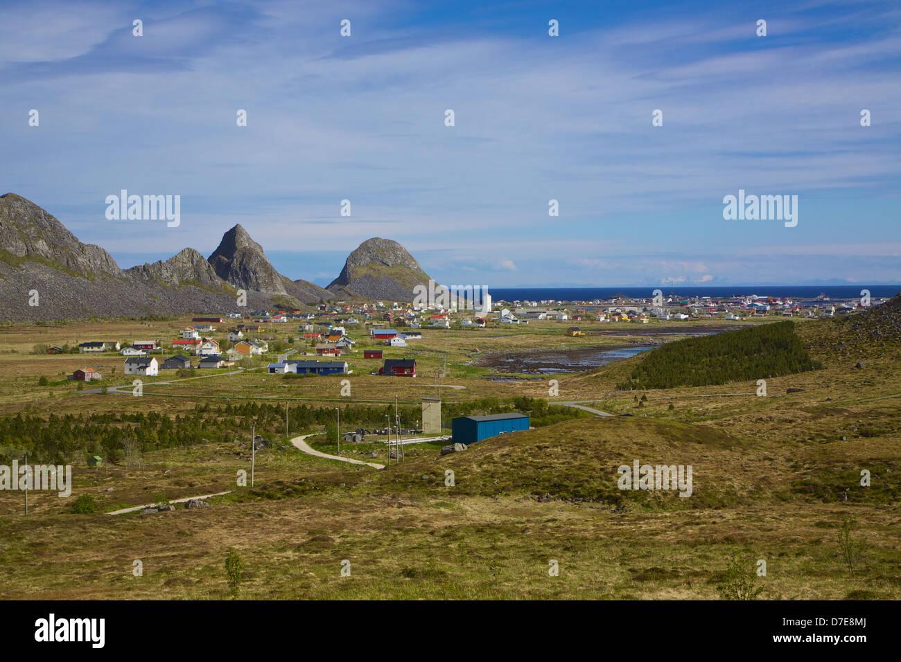 Scenic norwegian fishing town of Sorland on island Vaeroy, Lofoten islands - Stock Image