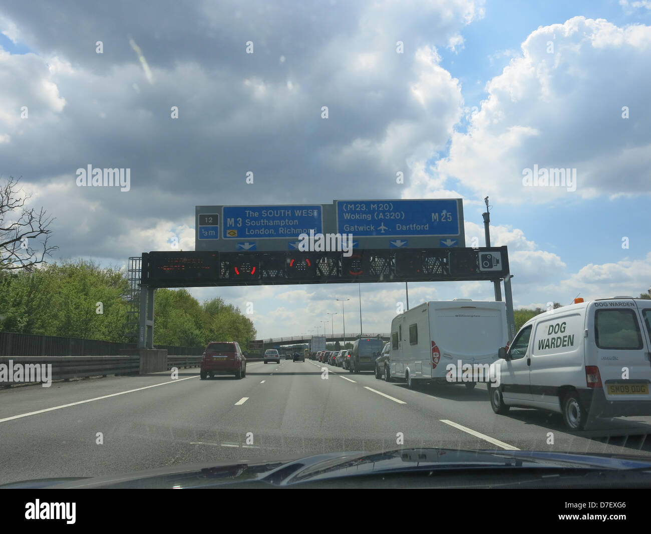 Surrey, UK. 6th May, 2013. A stranded van near J12 of the M25 and the M3 turn off in Surrey leads to closure of Stock Photo