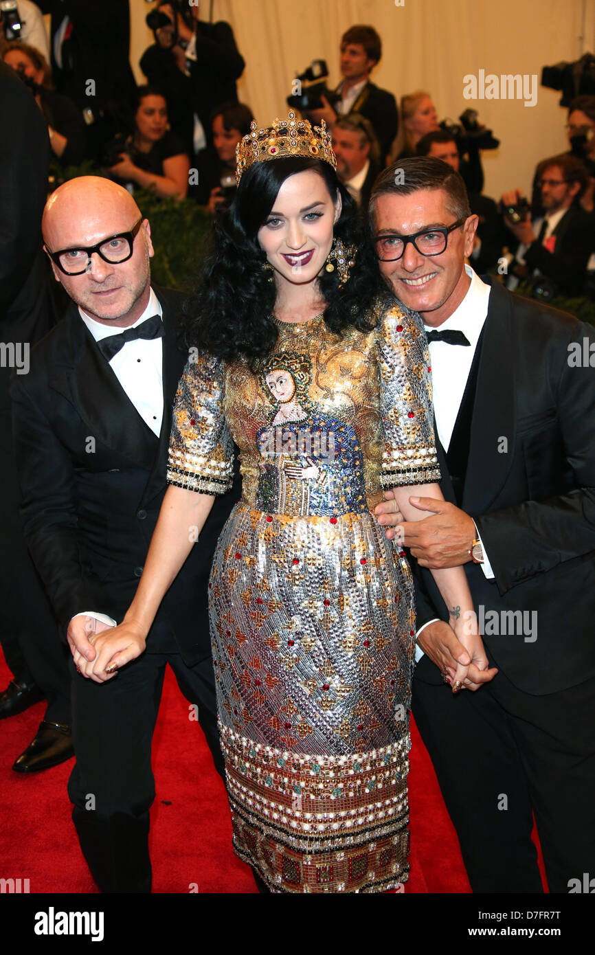 dcff0e70dcada Singer Katy Perry and designers Domenico Dolce and Stefano Gabbana (r)  arrive at the
