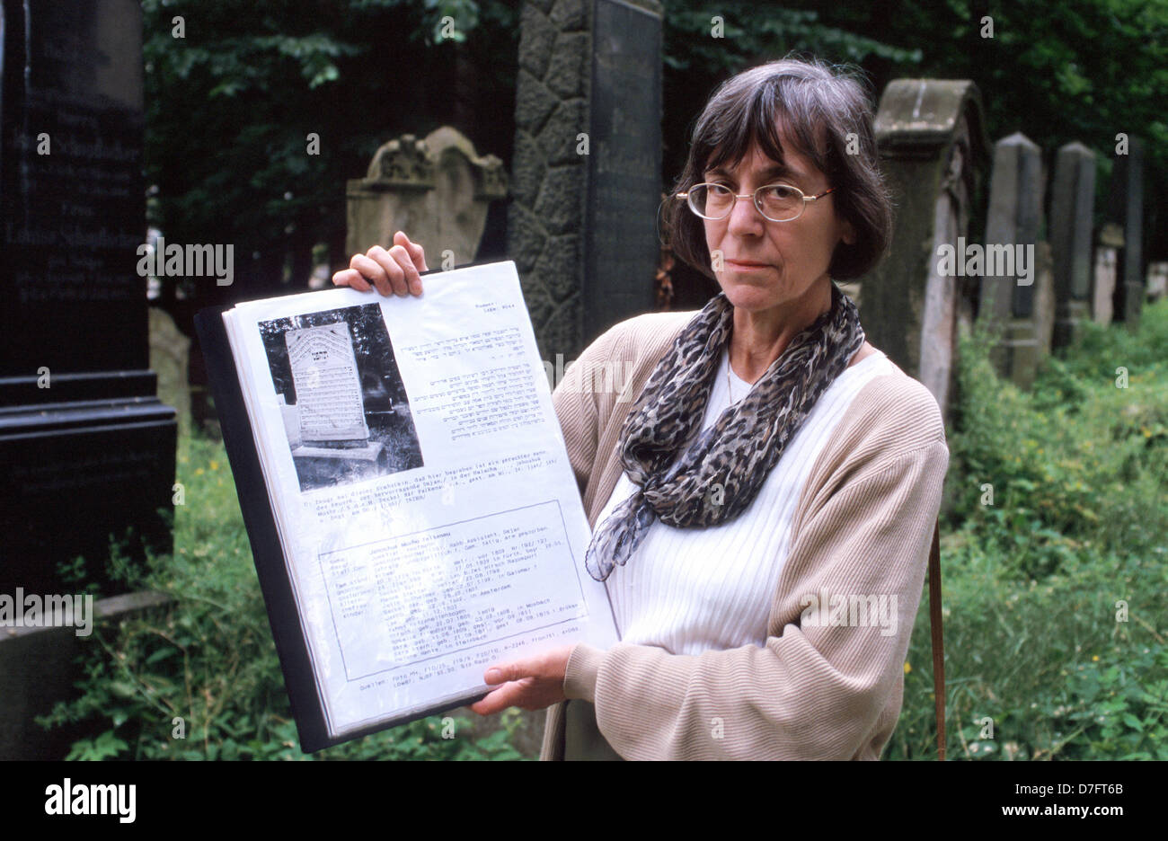 Gisela Blume, researcher and guardian of the Old Jewish Cemetery in Fürth, Germany - Stock Image