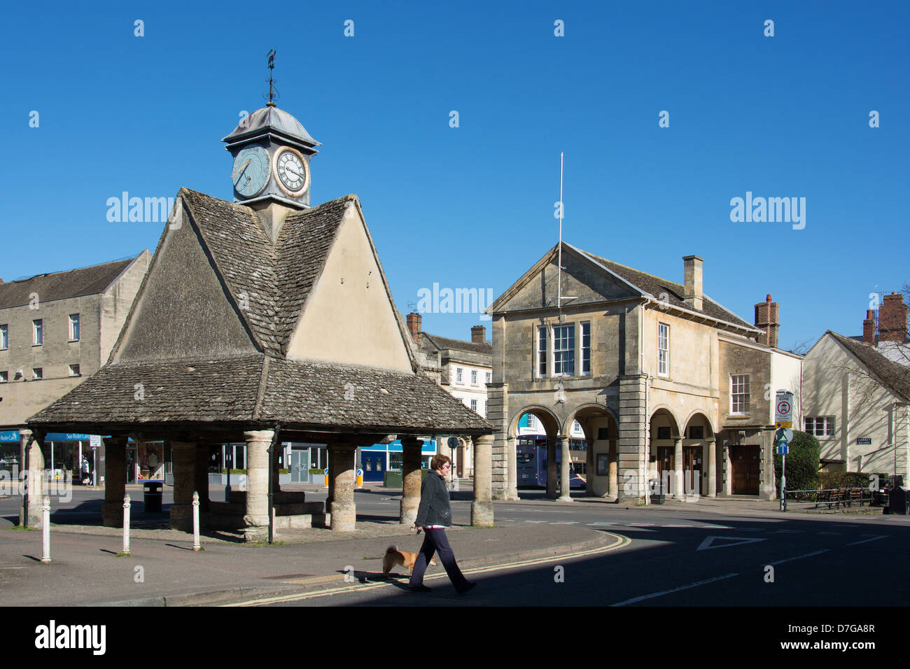 WITNEY, OXFORDSHIRE, UK. The Buttercross and town hall in the town centre. 2013. - Stock Image