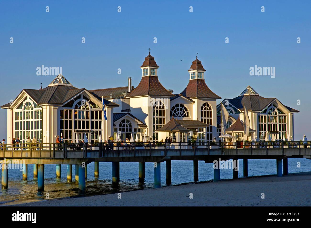 Germany, Mecklenburg-West Pomerania, island Rügen, Sellin, sea bridge, the Baltic Sea - Stock Image