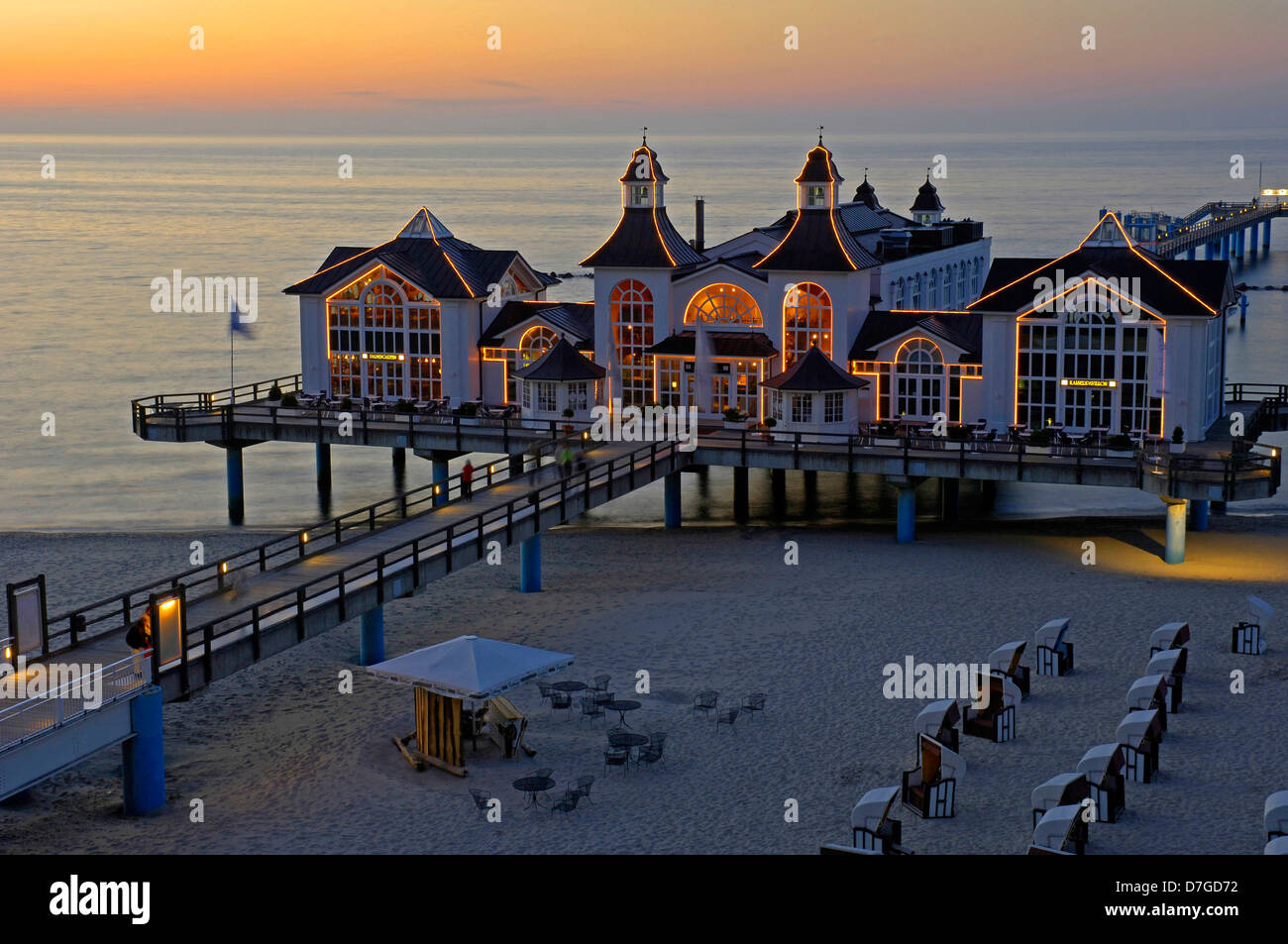 Germany, Mecklenburg-West Pomerania, island Rügen, Sellin, sea bridge, the Baltic Sea - Stock Image