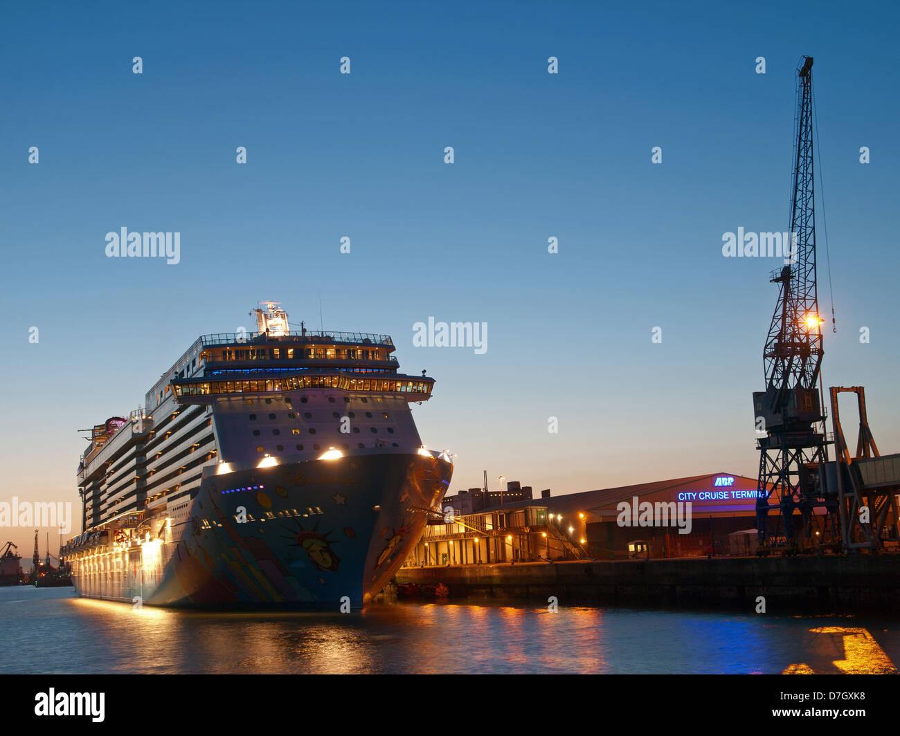 Cruise ship Norwegian Breakaway berthed at the City Cruise Terminal Southampton Port Hampshire England UK - Stock Image