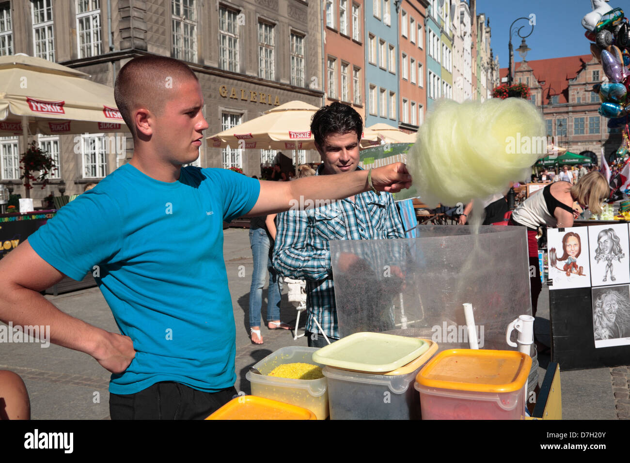 Gdansk, Dlugi Targ, Long Market,  Langer Markt, Zuckerwatteverkaeufer, Poland - Stock Image