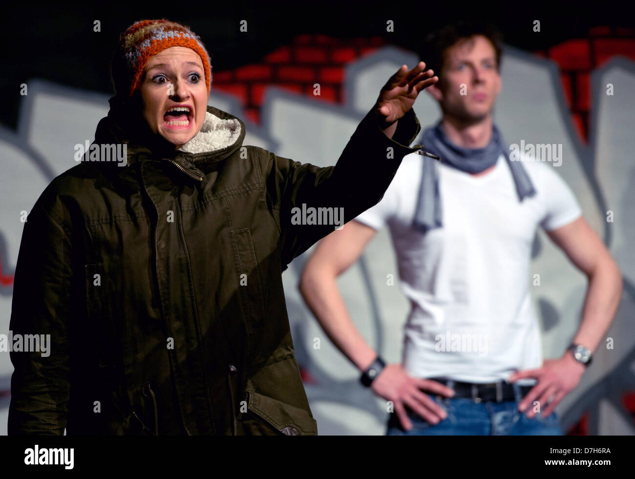 Berlin, Germany. 7th May 2013. Actors Susanne Theil (L) and Gideon Rapp perform during a rehearsal of the piece - Stock Image