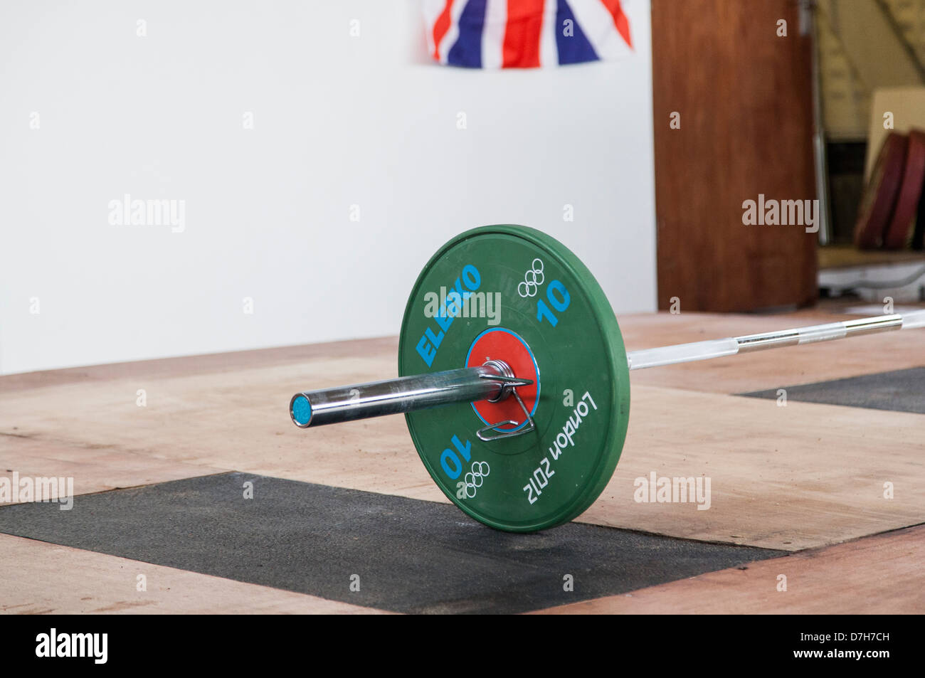 Weightlifting, London 2012  plates Olympic bar GB Flag British weightlifting - Stock Image