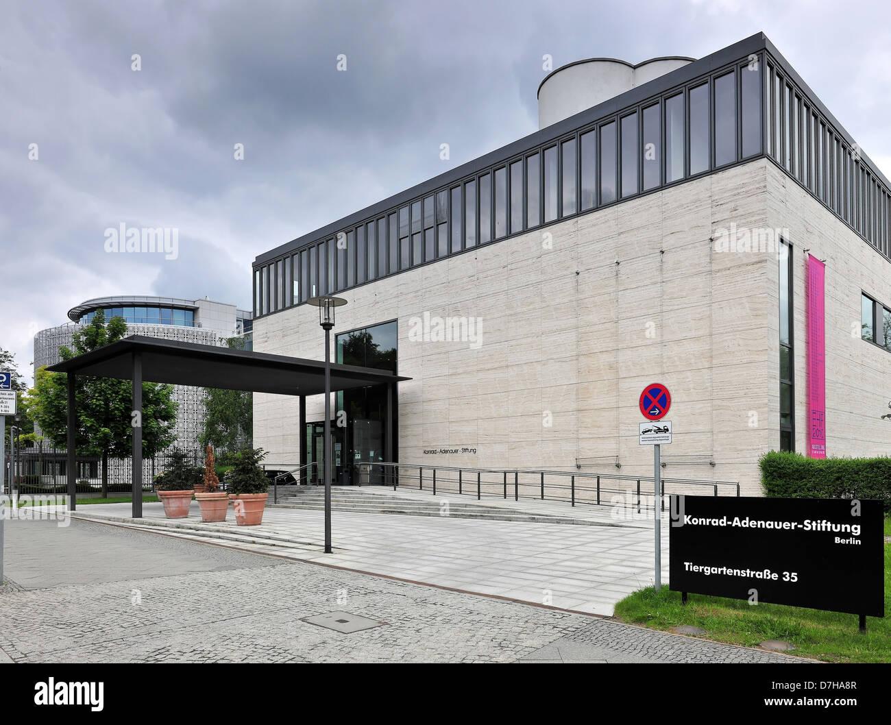 Dark clouds over the Konrad Adenauer Foundation in Berlin - Stock Image