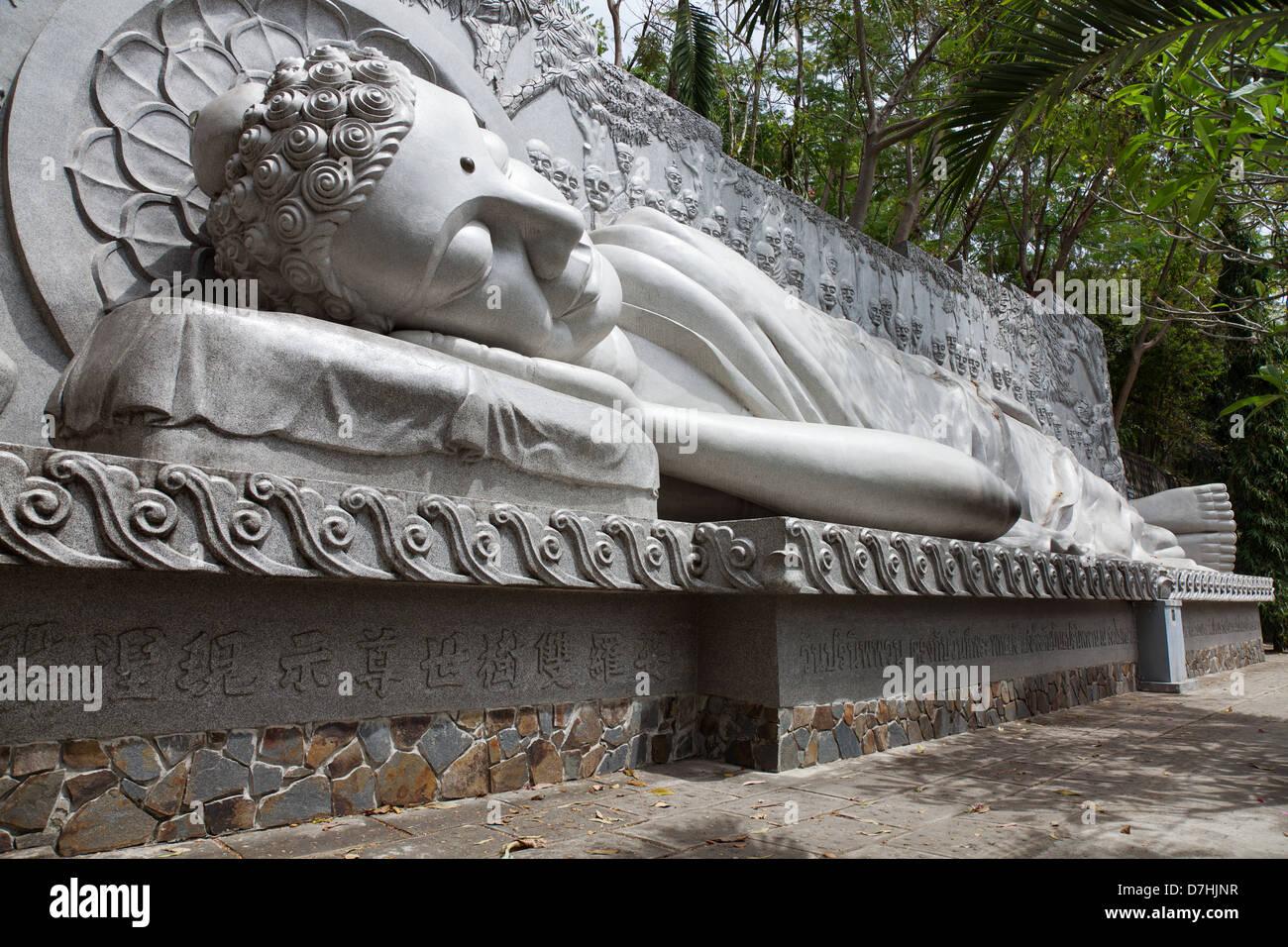 Reclining Buddha at the Long son pagoda in Nha Trang, Vietnam Stock Photo