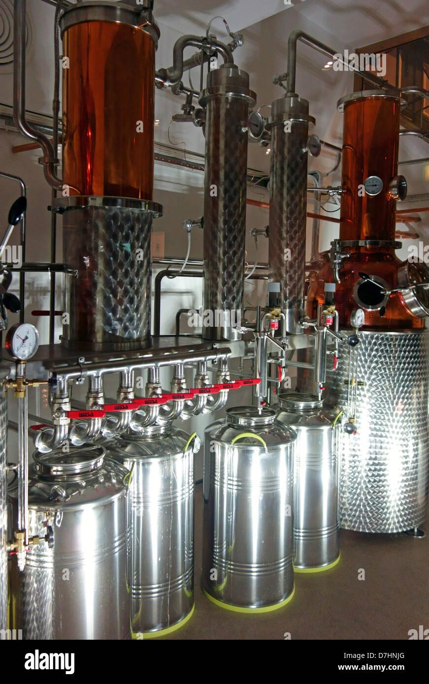 London gin distillery fleet street